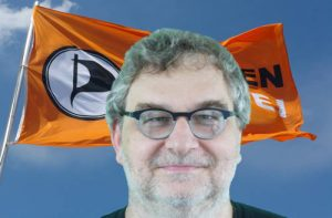 Guido mit Fahne klein